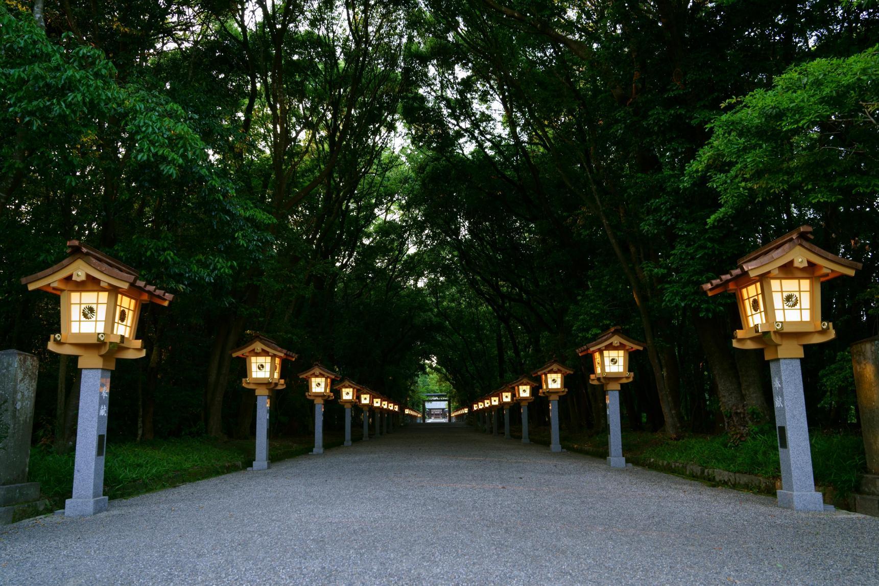 神の息吹を感じる 宮崎神宮