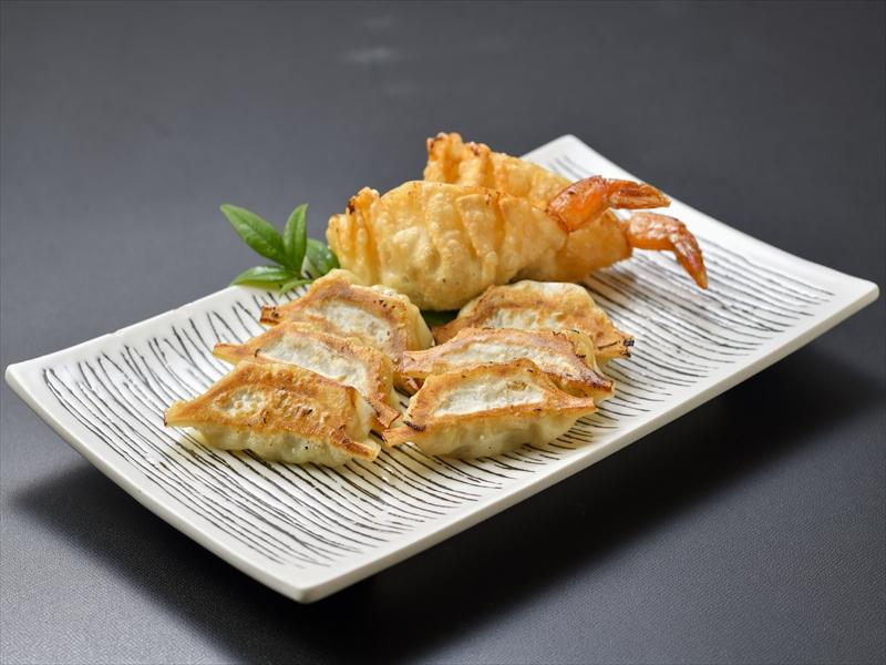 The people of Miyazaki enjoy eating gyoza in many different places!-2