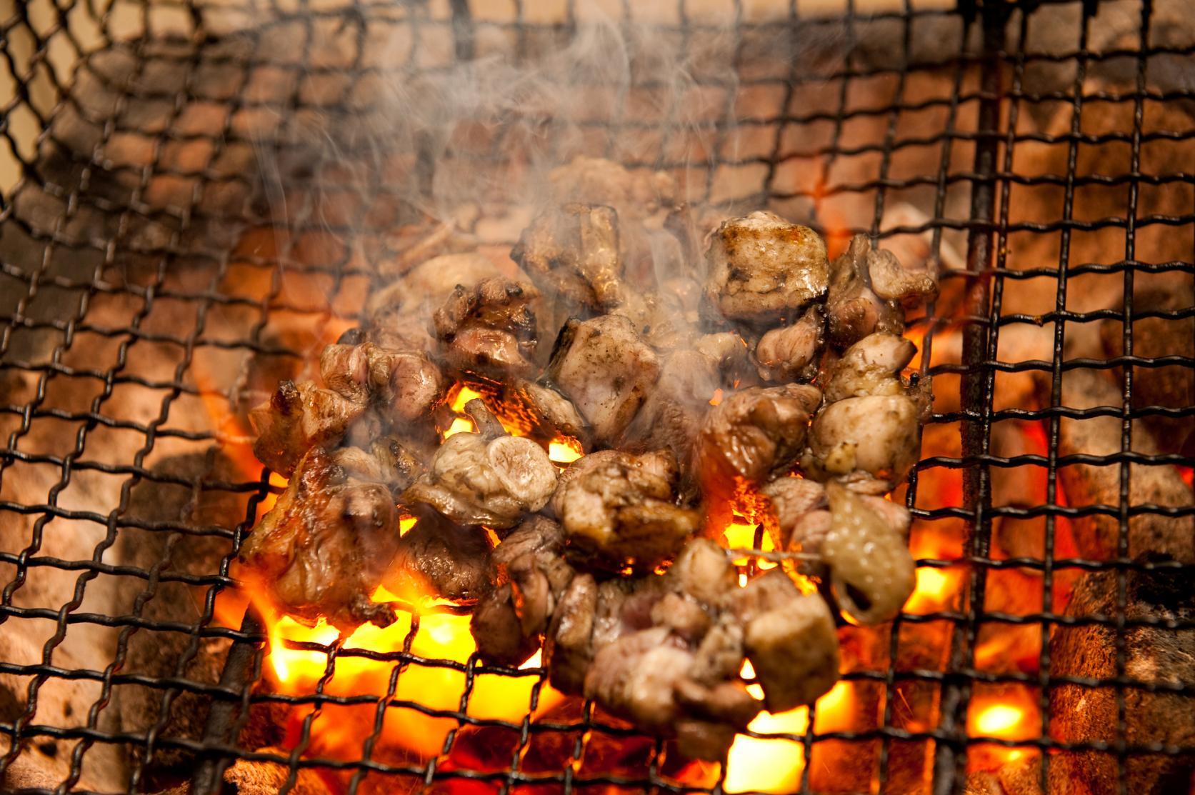 宮崎の地鶏は、生でも、焼いても、揚げても旨い!でも...まずは炭火焼きを!!-0