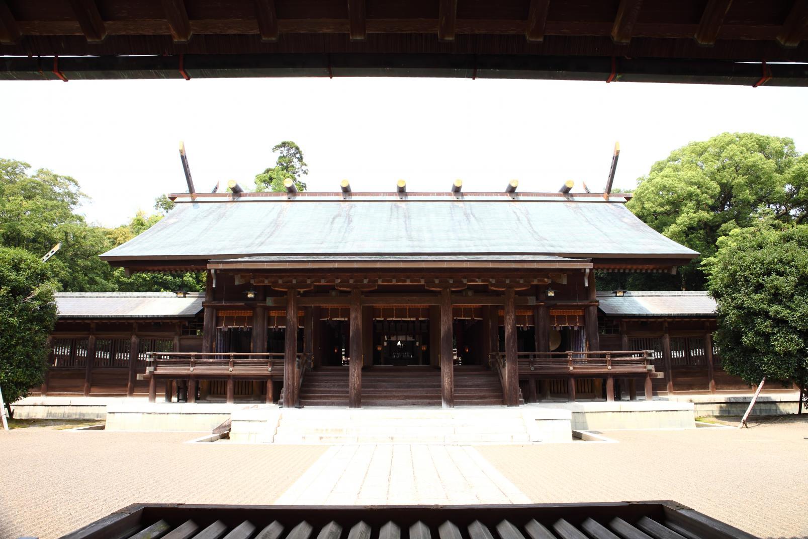 民の幸せを願い、都を中央に遷すため東遷計画を策定した「宮崎神宮」-3