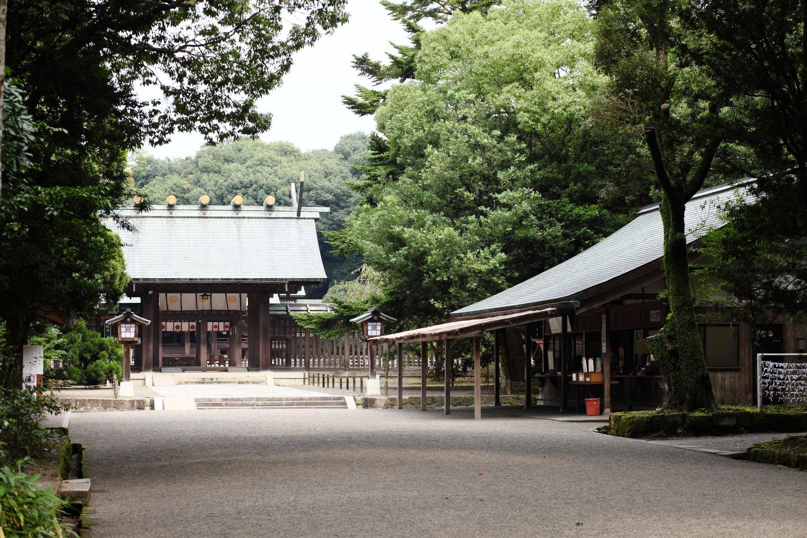 民の幸せを願い、都を中央に遷すため東遷計画を策定した「宮崎神宮」-4