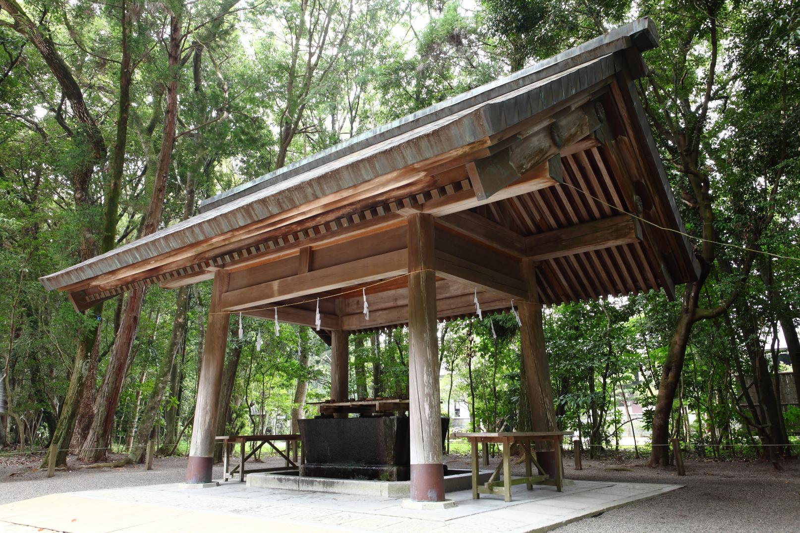 民の幸せを願い、都を中央に遷すため東遷計画を策定した「宮崎神宮」-1
