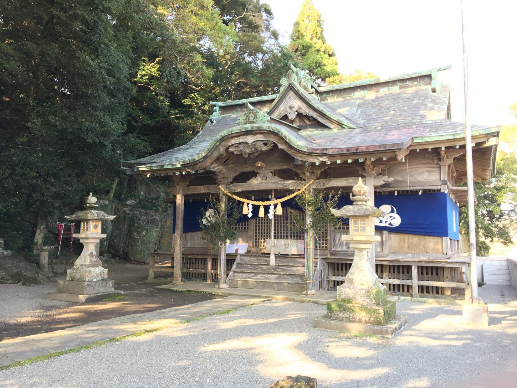御船出の地は「美々津港」、航海の安全を祈念した「立磐神社」-0